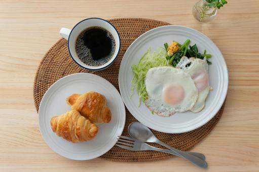 朝ごはんは食べるべき?抜くべき?